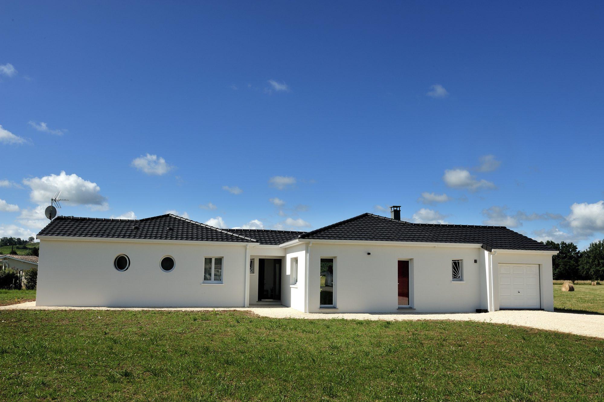 Maisons omega constructeur agr maisons de qualit for Constructeur de maison sarlat