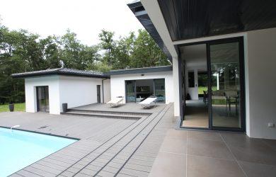 Maison avec piscine par Tanaïs Habitat