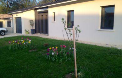 Maison contemporaine et actuelle de plain-pied à Soyaux (16)